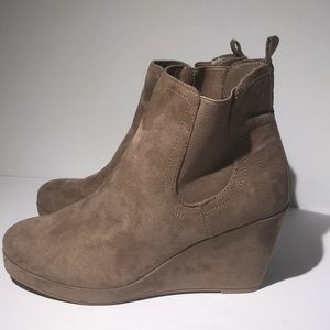 Revel ankle booties size 8.5 new with tags